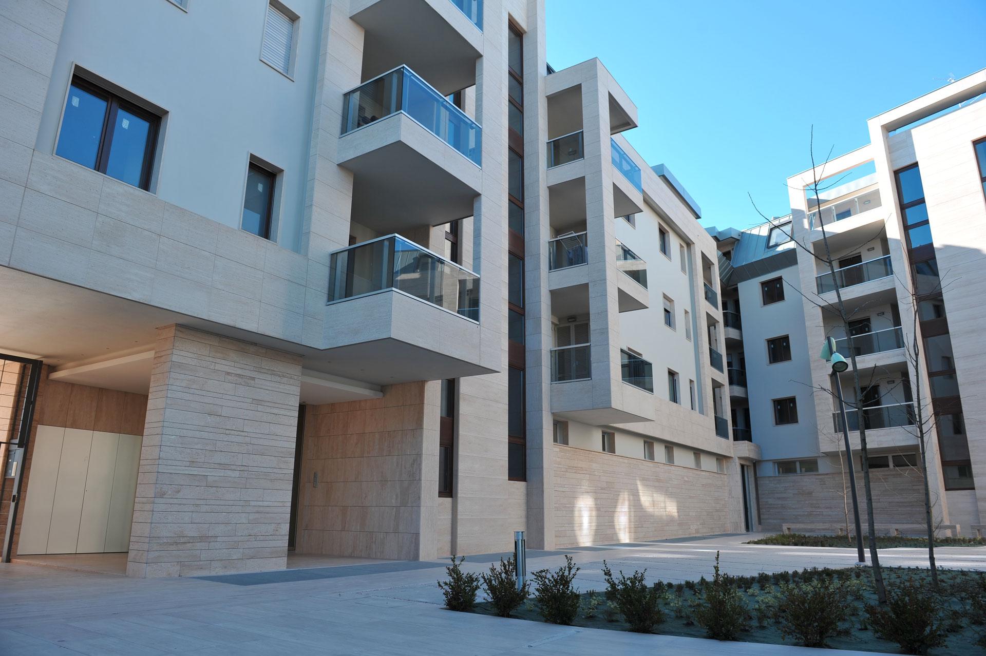 Appartamenti viale regina margherita altamura for Piani di appartamenti stretti
